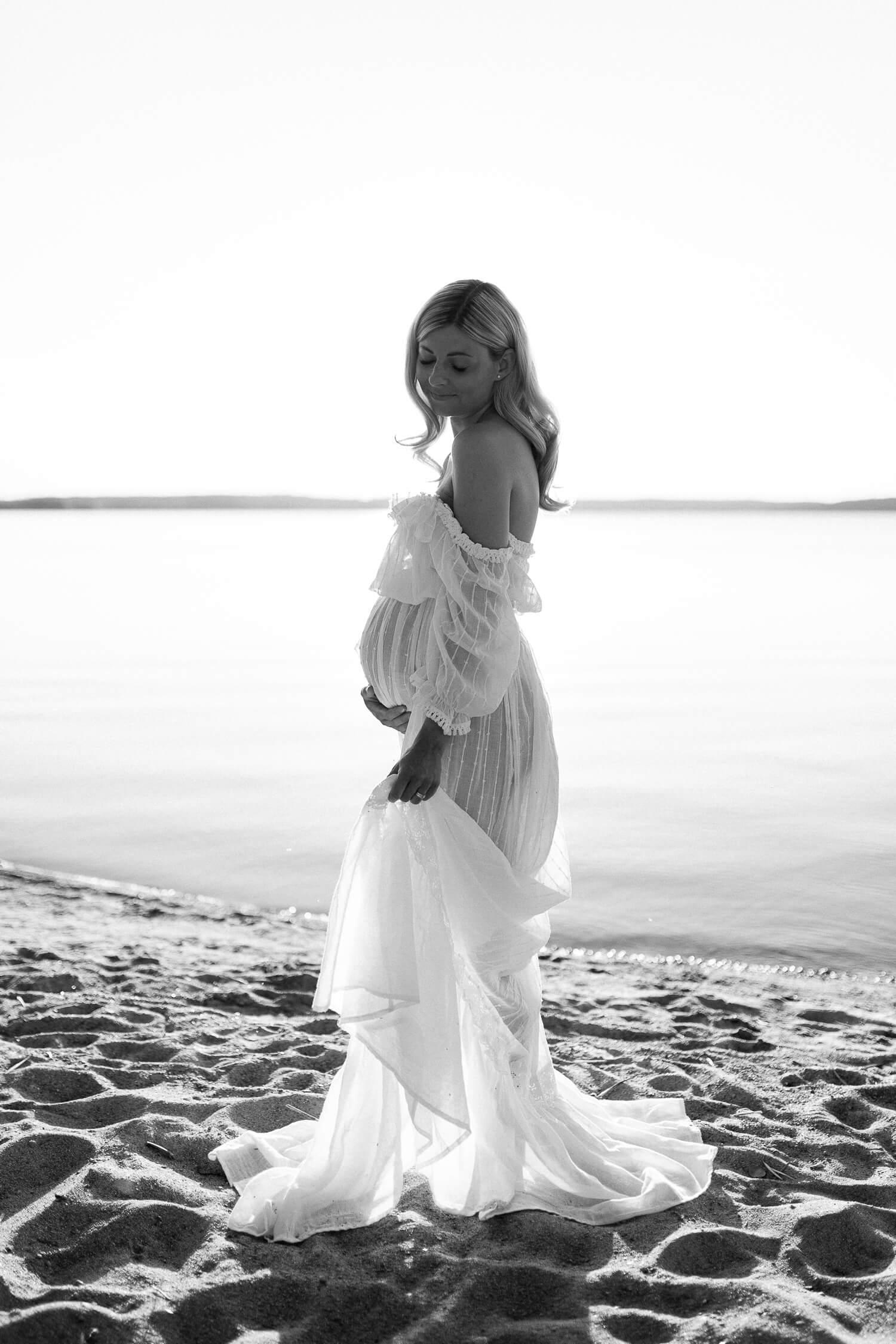 raskausajan kuvaus rannalla