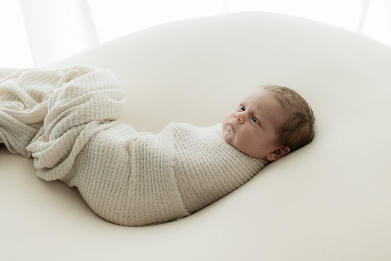 Helia Visuals workshop - ajatonta newbornkuvausta oppimassa. 29