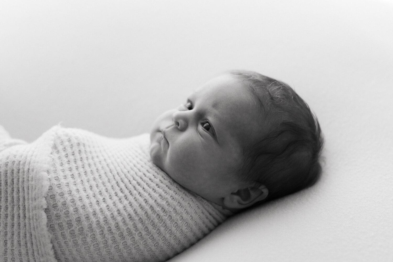 Helia Visuals workshop - ajatonta newbornkuvausta oppimassa. 46
