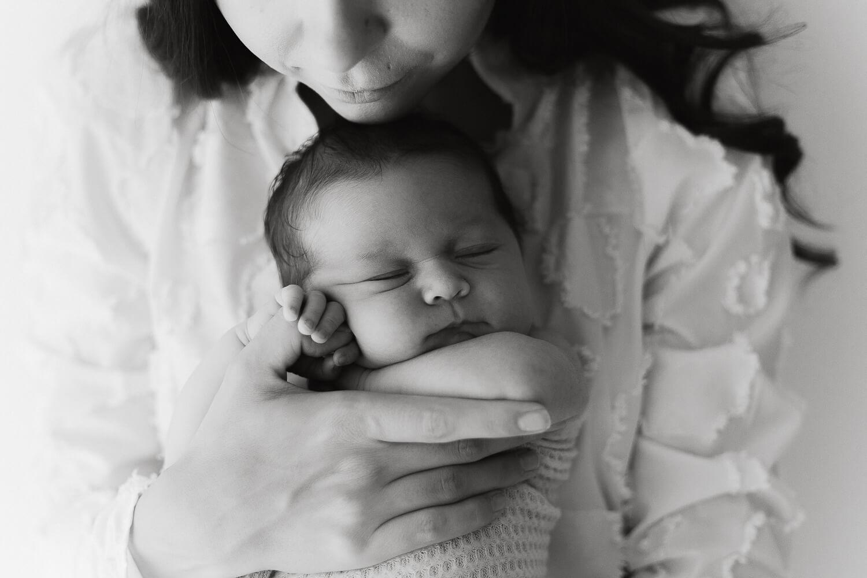 Helia Visuals workshop - ajatonta newbornkuvausta oppimassa. 38