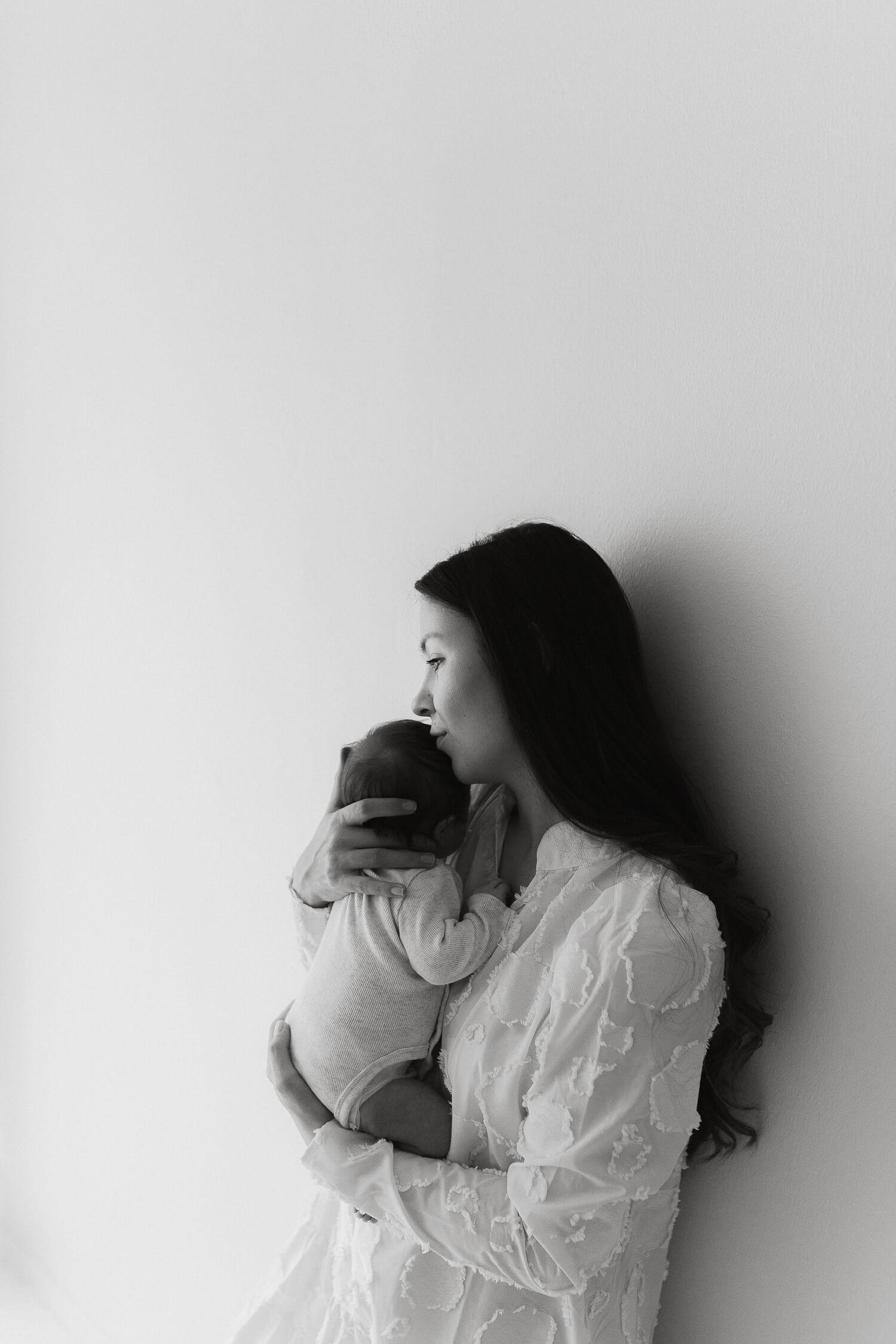 Helia Visuals workshop - ajatonta newbornkuvausta oppimassa. 32